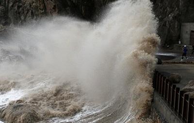 Тайфун у Шанхаї: евакуювано 190 тисяч осіб
