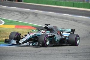 Хэмилтон выиграл в Германии, стартовав с 14-й позиции, Феттель разбил авто