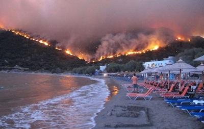 Пожежі в Греції зняли із супутника