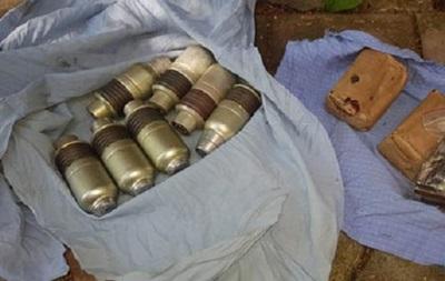 Під Сумами у чоловіка вилучили вісім гранат