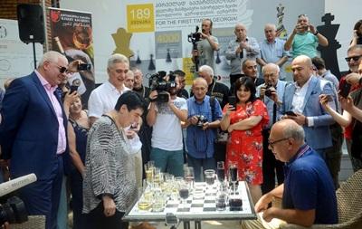 В Грузии шахматисты сыграли вничью бокалами вина