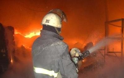 У Києві горіли два автомобілі, постраждала дитина
