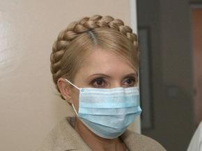 Тимошенко встретила партию Тамифлю в аэропорту Днепропетровска