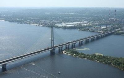 У Києві майже на місяць обмежать проїзд по Південному мосту