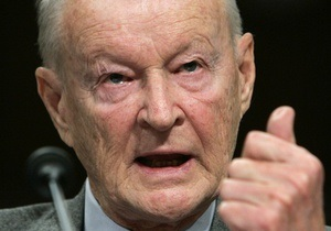 Бжезинский назвал Януковича диктатором - Голос Америки