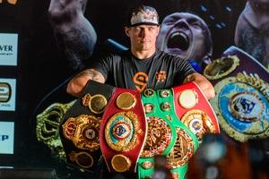 Усик визнаний найкращим боксером місяця за версією WBA