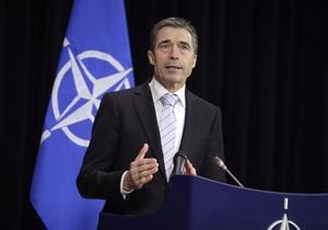 НАТО не собирается вмешиваться в сирийский конфликт - Расмуссен