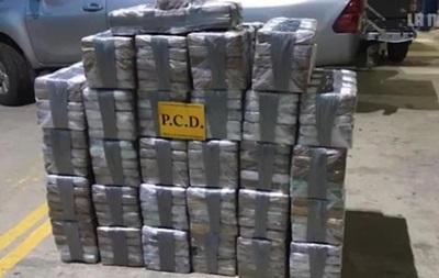 В Італії на кораблі знайшли 20 тонн гашишу