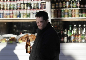 Новости Крыма - Симферополь - ограбление - В Симферополе продавщица отбилась бутылкой водки от грабителя магазина