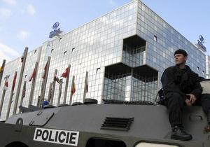 В Праге дикий кабан разбил витрину отеля Hilton
