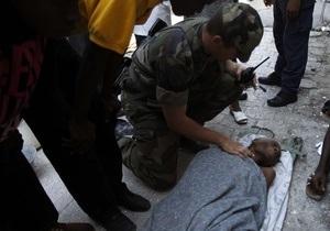 На Гаити нашли живой женщину, находившуюся под завалами десять дней