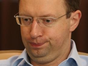 Яценюк раскритиковал кадровые перестановки после 2004 года