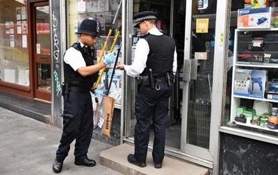 У Лондоні людей на вулиці облили кислотою