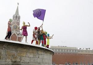 Медведев: Меня тошнит от Pussy Riot