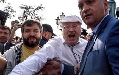 Жириновський побив учасника мітингу в Москві