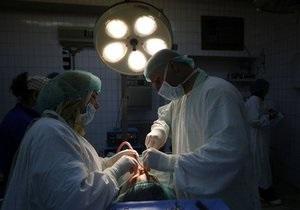 Российские ученые провели уникальную операцию, заменив пациенту обе челюсти его ребром
