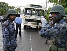 В результате обстрела автобуса на Шри-Ланке погиб ребенок