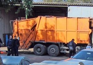 В Одессе в мусоровозе погиб мужчина