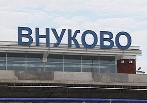 В московском аэропорту Внуково на земле столкнулись два самолета