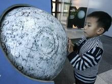 В Китае 14 новорожденных назвали в честь первого спутника Луны