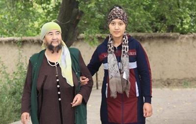 Казахська пенсіонерка показала бороду, яку не голила 35 років
