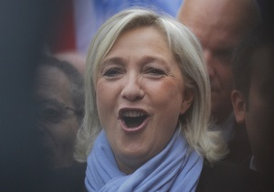 Лидер французского Нацфронта сломала позвоночник