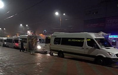 У Сумах порізали колеса на 15 маршрутках: затримано 30 осіб