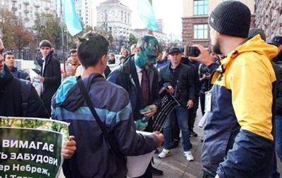 Напад із зеленкою на депутата Київради: затримано 19 осіб