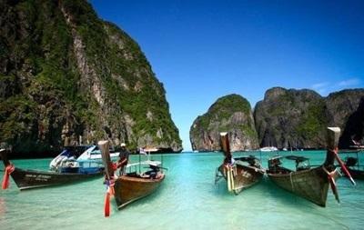 Один з популярних пляжів світу закрили для туристів