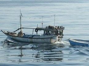 Итальянский эсминец обратил в бегство сомалийский пиратов