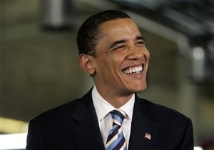 Обама поздравил всех, кто отмечает Хануку