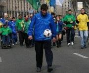 Украинец побил рекорд Марадоны по набиванию мяча и посвятил его Евро-2012