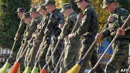 Сообщившего о рабстве солдата судят за дезертирство