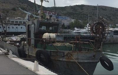 У Криму відпустили одного з українських рибалок