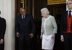 Африканская газета извинилась за фото  беременной  королевы Британии