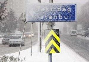 На юг Европы обрушились сильные снегопады: есть жертвы