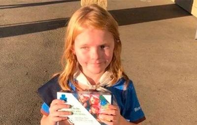 В Канаде девочка продала 30 пачек печенья в очереди за марихуаной