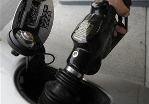 В июле украинские АЗС снизили реализацию бензина почти на 10%