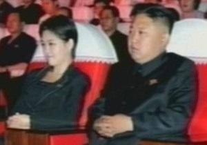 СМИ назвали имя загадочной спутницы Ким Чен Уна