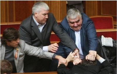 У Донецькій області за рекет затриманий екс-нардеп  Вася Картавий