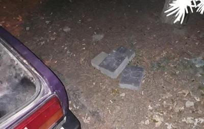 В Ужгороді водій з краденою бруківкою збив патрульну