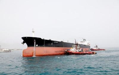 США предупредили страны, допускающие иранские танкеры исуда всвои воды