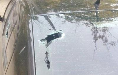 У Миколаєві п яний чоловік розбив молотком кілька авто