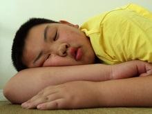 Ученые установили зависимость между сном и ожирением