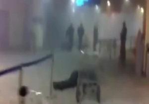 Очевидец: Смертник ворвался в зал аэропорта с криком  Я вас всех убью!