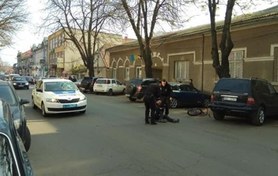 У Берегові поліцейські збили п яного велосипедиста