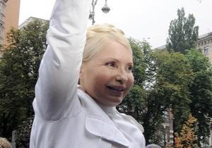 Тимошенко интересно, арестованы ли ее собаки: Им гулять можно, или они на подписке, как и я?