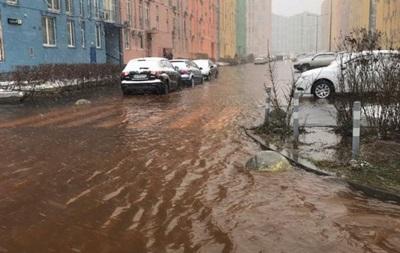 У Києві прорвало водопровід, затоплені двори