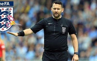 В Англии судья заставил футболисток играть в  камень, ножницы, бумага