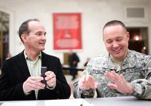Геи - Пентагон предоставит льготы супругам военных-геев